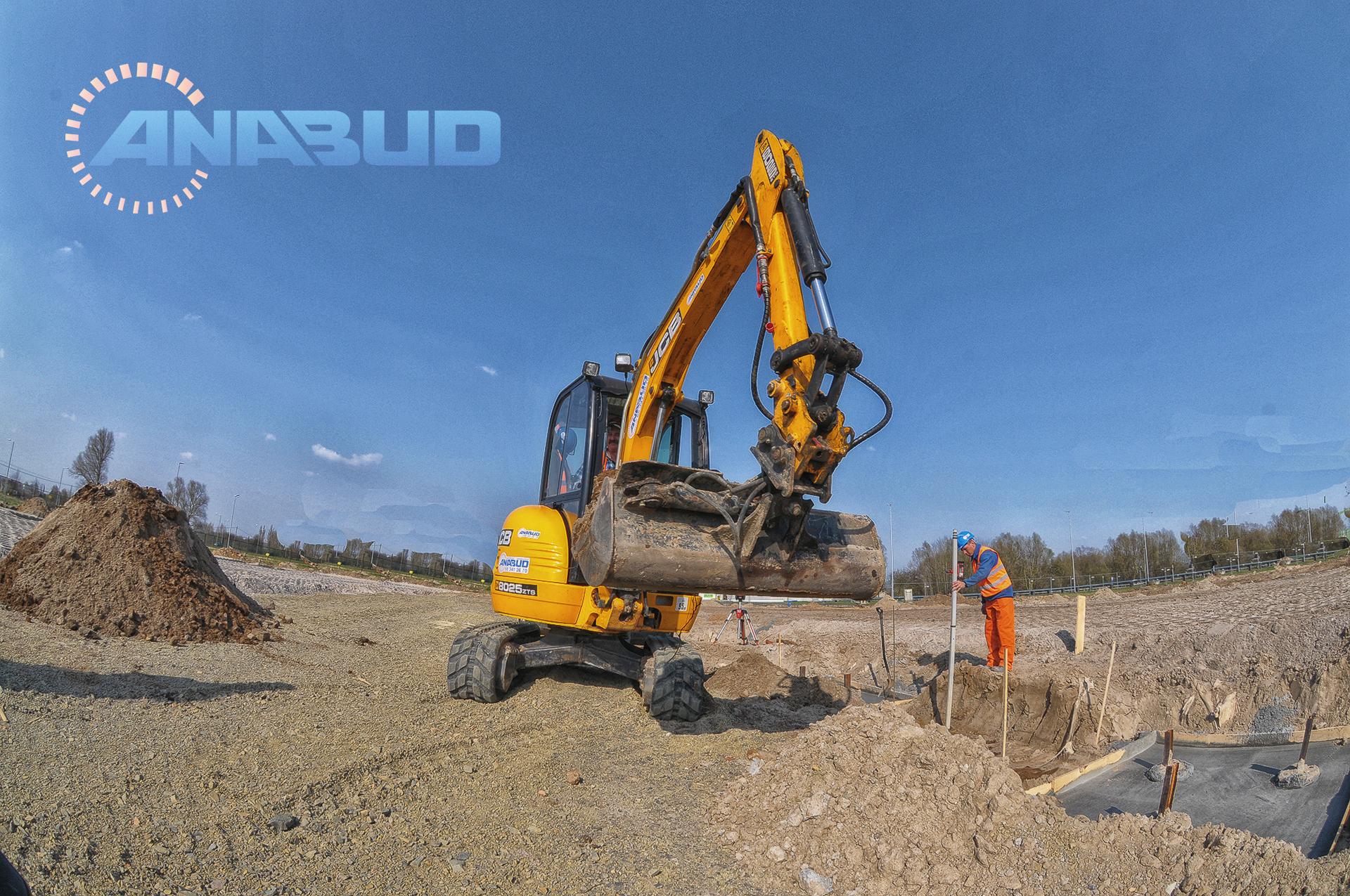roboty ziemne, niwelacja terenu pod inwestycje budowlane