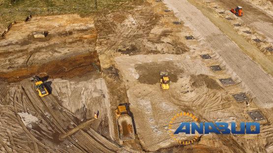 Niwelacja i Stabilizacja terenu pod budowę hali