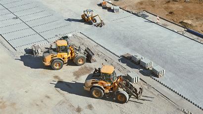 Budowa i modernizacja dróg i parkingów z kostki, układanie krawężników